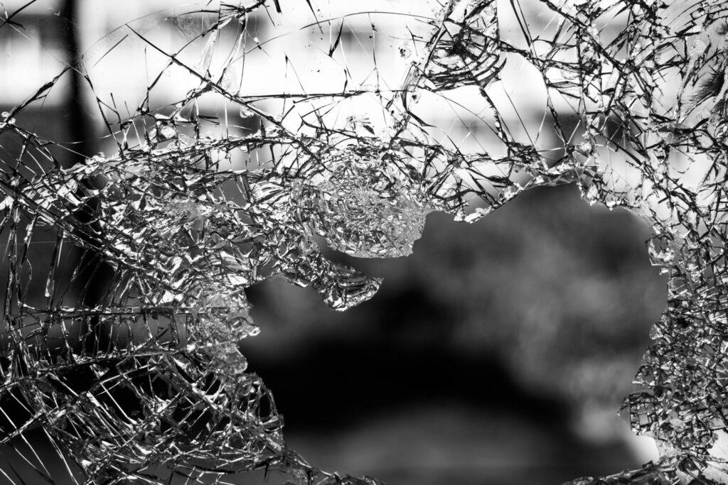 'bal door ruit' verzekering